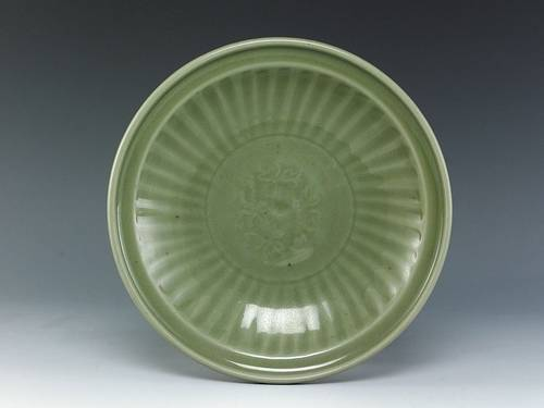 A LONQUAN Celadon Dish, Song Dynasty